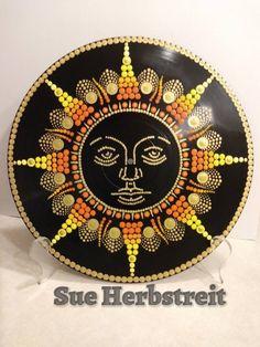 Best 11 Elizabeth Adams Dot Art – SkillOfKing.Com Mandala Art, Mandala Design, Mandala Painting, Mandala Pattern, Vinyl Record Crafts, Vinyl Art, Record Wall Art, Mandala Painted Rocks, Cd Art