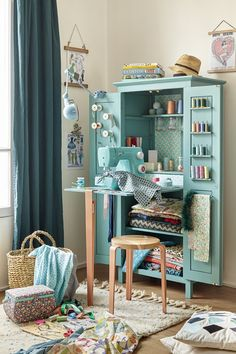 Diy Desk Projects Sewing Rooms New Ideas Room Design, Sewing Rooms, Diy Furniture, Sewing Room Design, Home Decor, Room Inspiration, Sewing Table, Sewing Nook, Room Decor