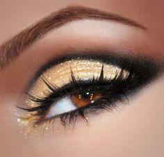 Black and gold glittery smoky eye!
