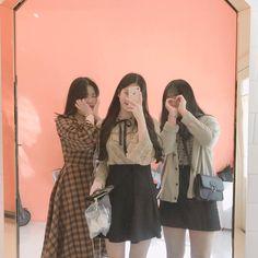 Three Friends, 3 Friends, Girls Best Friend, Friends Forever, Best Friend Goals, Ulzzang Korea, Ulzzang Boy, Ulzzang Fashion, Korean Fashion