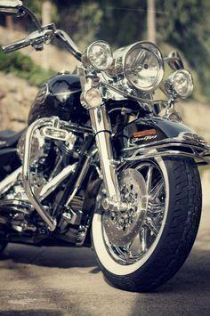Road King Classic Fahrräder motorrad frauen … – Kings and Heritage - MOTORRAD Motos Harley Davidson, Harley Davidson Road King, Triumph Motorcycles, Vintage Motorcycles, Custom Motorcycles, Road King Classic, Ducati, Honda Cb750, West Coast Choppers