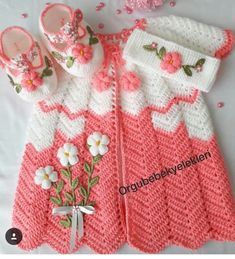 peach and white knit dress Crochet Baby Sweaters, Crochet Baby Clothes, Baby Knitting, Knit Crochet, Easy Knitting Patterns, Knitting Designs, Baby Patterns, Hello Kitty Dress, Baby Girls Clothes