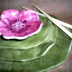 Ceramic Sushi Set Water Lily with Flower Bowl by dgordon on Etsy ~ great inspiration Flower Bowl, Flower Plates, Decor Pad, Sushi Set, China Art, Ceramic Plates, Ceramic Decor, Ceramic Flowers, Vintage Dishes
