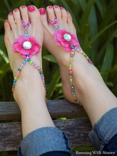 Summer Beaded Barefoot Sandals is part of crafts For Girls - Make a pair of beaded barefoot sandals Fun craft for summer! Crafts For Teens To Make, Diy Craft Projects, Bead Crafts, Crafts To Sell, Sewing Projects, Fun Things To Make For Teens, Craft Ideas For Teen Girls, Sleepover Crafts, Fun Crafts For Teens