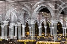daring tools sculpts wire mesh architectural tableau in abu dhabi - Edoardo Tresoldi, Archetype, wire mesh installation at royal event, Abu Dhabi, 2017 - Abu Dhabi, Lebbeus Woods, Colossal Art, Toyo Ito, Norman Foster, Design Blog, Filets, Wire Mesh, Classical Architecture