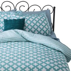 I spied with my Target eye: Xhilaration® Turquoise & White Star Reversible Bed in a Bag - Turquoise (Twin), from the Weekly Ad http://weeklyad.target.com