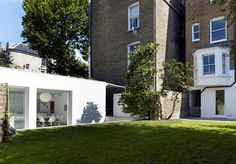 Modern home by Alex Michaelis