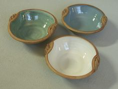 Small serving bowl with twisted handles  Kajsa Leijström