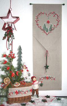 Beerenherz im Winter - UB-Design-Shop Christmas Cross, Christmas Fun, Christmas Decorations, Christmas Ornaments, Xmas, Counted Cross Stitch Patterns, Cross Stitch Charts, Cross Stitch Embroidery, Design Shop