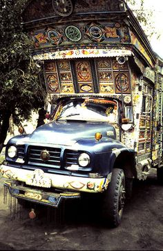 Bedford Truck, Pakistan by hanspeterroersma, via Flickr