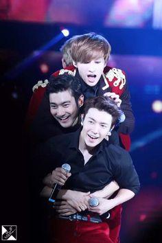 Donghae, Siwon and Eunhyuk - Super Junior