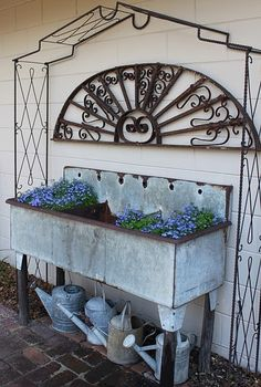 Love this potting station !