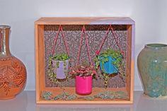DIY spécial green upcycle : un petit jardin suspendu - Purple Jumble  DIY tuto - jardin suspendu - jardin intérieur - plantes suspendues - decoration - customisation - caisse en bois - succulentes - plantes grasses - green upcycle - ucpcling - recup - creation
