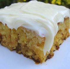 Miss Susan's Pineapple Sheet Cake - Ingredient 2 cups AP flour 2 cups sugar 2 tsp. salt 2 eggs 20 ounce can (about 2 cups) crushed pineapple, in juice, don't drain 1 tsp. vanilla cup nuts- I left out due to allergies Mix all together … Food Cakes, Cupcake Cakes, Cupcakes, Just Desserts, Dessert Recipes, Frosting Recipes, Health Desserts, Sugar Frosting, Quick Dessert
