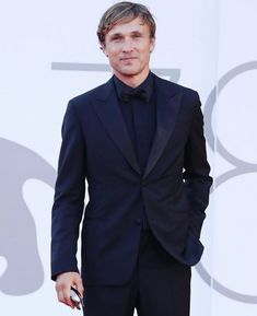William Moseley, Suit Jacket, Breast, Suits, Jackets, Fashion, Down Jackets, Moda, Fashion Styles