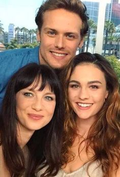Sam Heughan, Sophie Skelton and Caitriona Balfe at San Diego Comic Con 2017