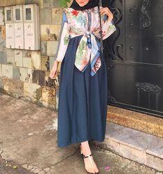hijab modestile ab 2019 – M Pakistani Fashion Casual, Abaya Fashion, Fashion Wear, Modest Fashion, Fashion Dresses, Hijab Chic, Hijab Style, Hijab Collection, Muslim Women Fashion