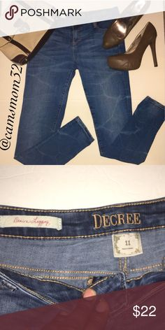 Decree Denim leggings New condition! Size juniors 11 or woman's 8  measurements are 30 inch waist & 30 inch inseam. Bundle and save more money! Msrp $48 Decree Jeans Skinny