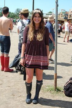Beautiful girl at Glastonbury, I. Have this dress!
