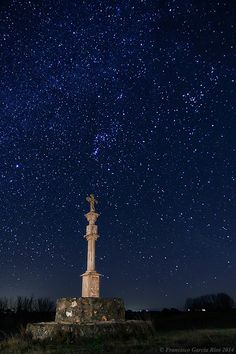 Stone Cross under the Stars - Santiago de Compostela, Hoya Gonzalo, Spain