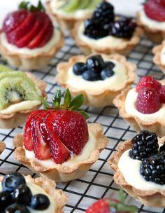 Fruit & Cream Mini Tarts---for the dessert table Tart Recipes, Fruit Recipes, Sweet Recipes, Whole Foods Fruit Tart Recipe, Easy Strawberry Tart Recipe, French Fruit Tart Recipe, Easy Fruit Tart, Strawberry Tarts, Curry Recipes