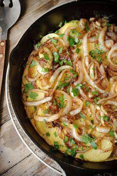 Frittata met ui, aardappel en balsamico