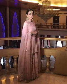 Asian Wedding Dress, Indian Wedding Outfits, Indian Outfits, Simple Pakistani Dresses, Pakistani Dress Design, Dress Indian Style, Indian Dresses, Punjabi Dress, Punjabi Suits
