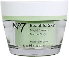 If your skin feels oily before the day is over, you can say you are an oily skin type. Oily skin can be bothersome, however there are also benefits to having oily skin! Face Cream For Wrinkles, Cream For Oily Skin, Moisturizer For Oily Skin, Homemade Moisturizer, Skin Cream, Eye Cream, Homemade Scrub, Face Creams, Night