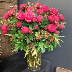 Ready to be delivered to 1 of our fav clients - these amazing Colombian cluster roses -