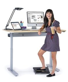 21 Weight Loss Tips You've Probably Never Tried ~ Switch to a stand up desk! Burns a ton of extra calories throughout the day. I NEED this!! Tired of my achy back.