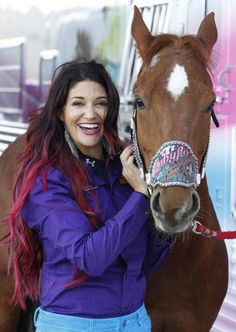 Barrel racer Fallon Taylor and her horse, Babyflo, bring a lot of glitz and glamour to rodeo. Barrel Racing Saddles, Barrel Racing Horses, Barrel Horse, Cute Horses, Beautiful Horses, Taylor Jacobs, Barrel Racing Quotes, Western Horsemanship, Fallon Taylor