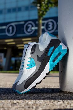 Nike Air Max 90 Essential | White, Black, Grey & Blue