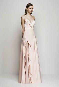 http://www.vogue.com.au/fashion/fashion shows/ready to wear/galleries/alex perry resort 2016,36385?adkit_ref=/fashion/fashionShows/readyToWear                                                                                                                                                                                 Más