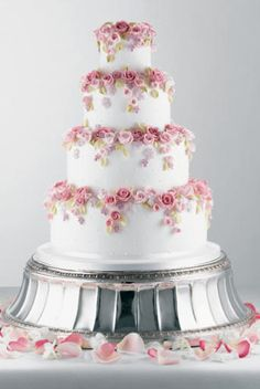 Love the Roses...not wild about this cake on this stand, though