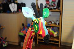 Recycled flipflop art - Giraffe.