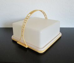 Tupperware Square Cake Carrier Harvest Gold AtomicPutz.com