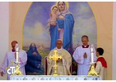 Reconstruirán sobre ruinas, renovarán ciudades devastadas, el Papa en la Misa en Armenia - Radio Vaticano