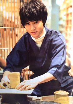"Kento Yamazaki, Ceramics, ""challenged to make meoto-yunomi (lit.green tea tumbler for a married couple) for my parents.""  The Television #21, 2015 https://www.youtube.com/watch?v=s4sHCvhTWvU"