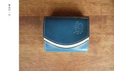 「海辺の一日」 小さいふ 極小財布 ペケーニョ Card Case, Wallet, Cards, Maps, Playing Cards, Purses, Diy Wallet, Purse