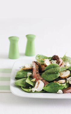 Minutsteaks med lune kikærter, svampe og spinat - 2 pers Opskriften er fra Aarstiderne.com og alle ingredienser er derfor valgt efter sæson. Så nyd sæsonens lækre grøntsager og få mest ud af deres vitaminer og mineraler.