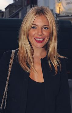 Sienna Miller - Golden Blond - Blonde Hair Color Ideas and Pictures - StyleBistro Blonde Haircuts, Hairstyles With Bangs, Straight Hairstyles, Cool Hairstyles, Hairstyle Ideas, Famous Hairstyles, Medium Hair Cuts, Medium Hair Styles, Short Hair Styles