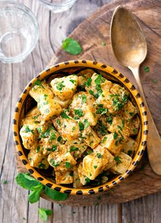 Moroccan Potato Salad * NOTE: Use potatoes with cauliflower and homemade Ras el Hanout and homemade Morrocan Food, Moroccan Dishes, Moroccan Recipes, Moroccan Salad, Curry Recipes, Potato Recipes, Potato Salad No Mayo, Appetizer Recipes, Vegetarian Food
