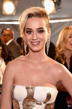 Katy Perry Photos Photos - Singer Katy Perry attends the 2017 iHeartRadio Music Awards which broadcast live on Turner's TBS, TNT, and truTV at The Forum on March 5, 2017 in Inglewood, California. - iHeartRadio Music Awards - Red Carpet Arrivals