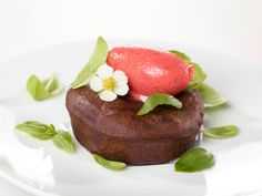 Soft Chocolate Cake and Strawberry Sorbet with Basil #inkognito_as