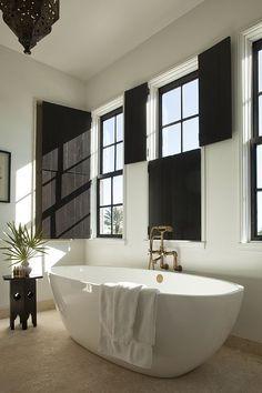 Alys Beach House Tour - Design Chic #HomeDecorators #TheBeach #BathroomIdeas