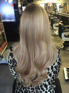 #blonde #highlights #babylights #olaplex #longhair #haircolor #ash #sand #multiblonde #hairstyle #hairstyle2017 #haarvisie #haarvisierijswijk