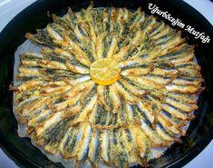FIRINDA HAMSİ TAVA (MISIR UNLU)      Hamsi zamanı geçici balıkların yazın Karadeniz'de beslenip Marmara'ya dönüşe başladı...