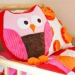 Add Color Pops to Girls Bedrooms with Pink Pillows. This owl pillow is a free sewing pattern