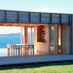 dinning - Coromandel Bach / Crosson Clarke Carnachan Architects
