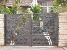 /gallery/bcbs//gates/21//th_ Gates And Railings, Metal Gates, Forging Metal, Blacksmithing, Wrought Iron, Gallery, Plants, Art, Blacksmith Shop